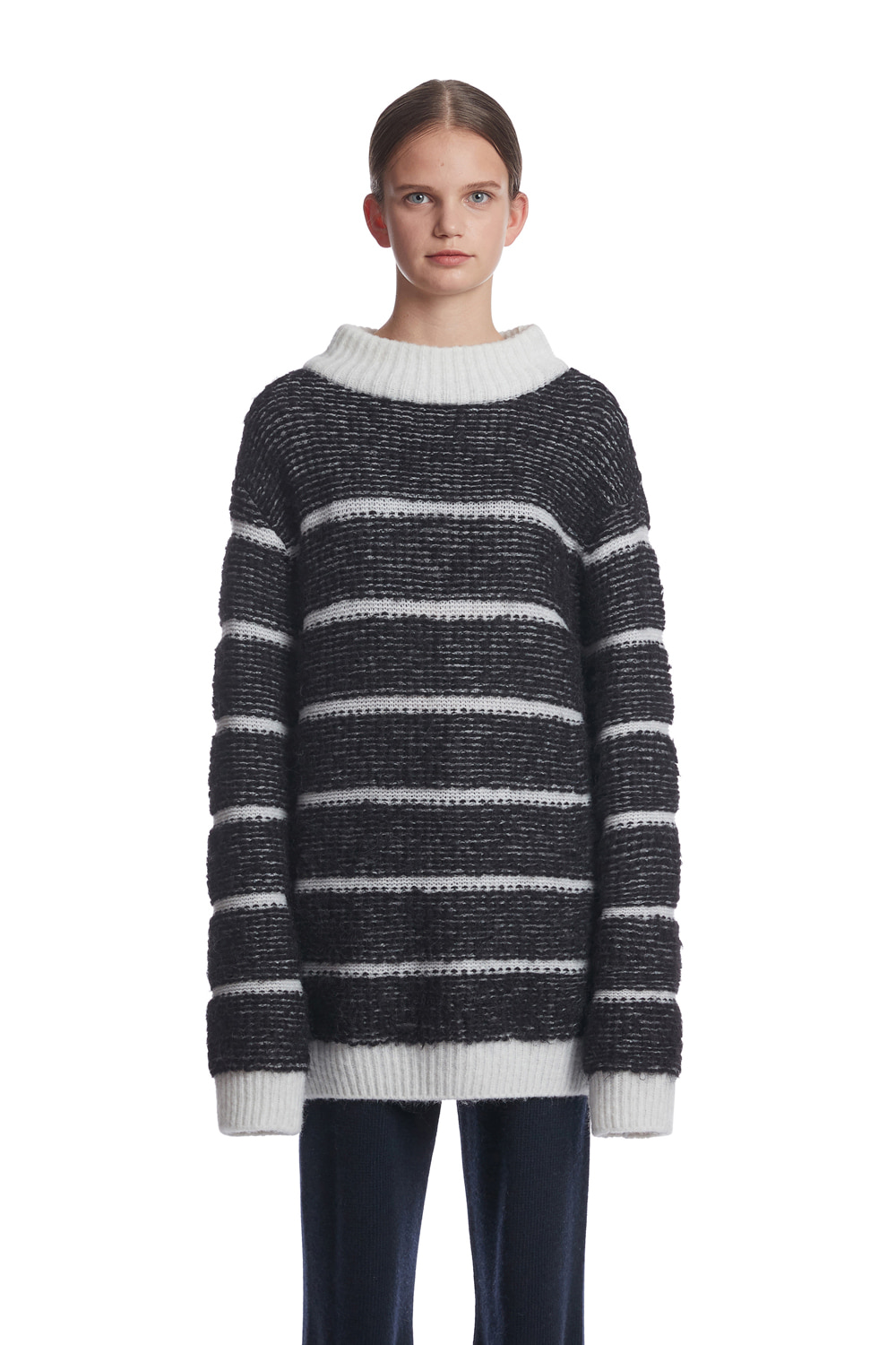 10월 16일 예약배송  Boucle Stripe Knit Sweater